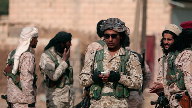 Militantes de las Fuerzas Democráticas Sirias al norte de Raqqa
