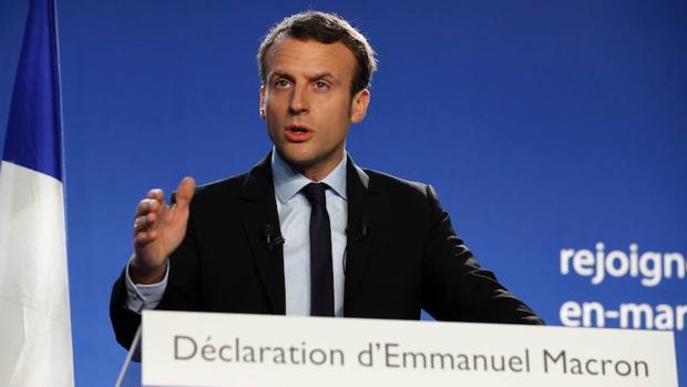 El exministro Emmanuel Macron, futuro candidato a la Presidencia de Francia