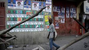 Haití elige presidente entre el desastre causado por el huracán Matthew