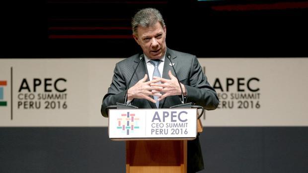 El presidente de Colombia, Juan Manuel Santos, habla en la Cumbre de Líderes del Foro de Cooperación Económica Asia Pacífico (APEC)