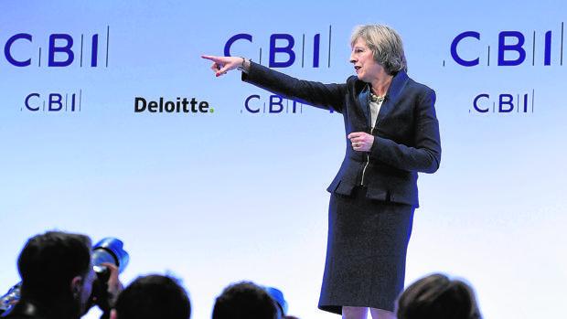 Theresa May, ayer en su intervención ante la patronal británica