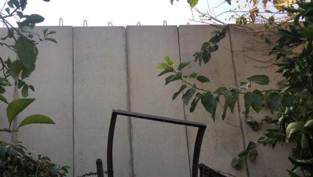 Parte del muro que está construyendo Líbano en torno al campo de refugiados de Ain al-Hilweh