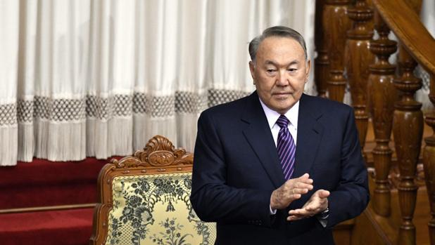 Nursultan Nazarbáyev ya era el máximo dirigente de Kazajistán en tiempos soviéticos