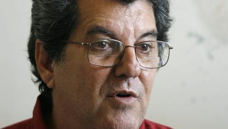 Oswaldo Payá. en su casa de La Habana en noviembre de 2007