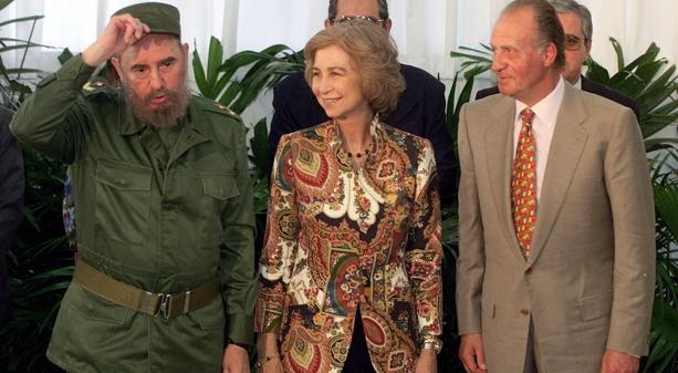 Don Juan Carlos, Doña Sofía y Fidel Castro en 1999 en La Habana, con motivo de la Cumbre Iberoamericana
