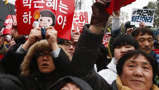 Multitudinaria protesta este sábado en Seúl para exigir la dimisión de la presidenta surcoreana, Park Geun-hye