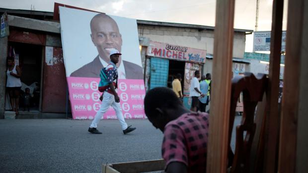 El 'oficialista' Jovenel Moise gana las elecciones en Haití, según los resultados preliminares