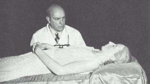 El doctor Pedro Ara fue el encargado de momificar el cadáver de Evita erón