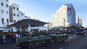 Las cenizas de Fidel Castro inician su último recorrido por Cuba