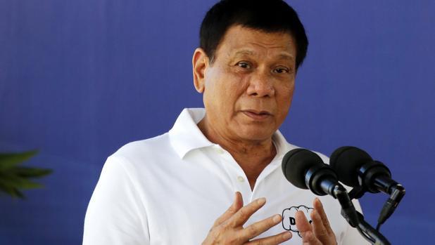 El presidente filipino, Rodrigo Duterte, asiste a la inauguración del Centro de Rehabilitación y Tratamiento de Drogadicciones