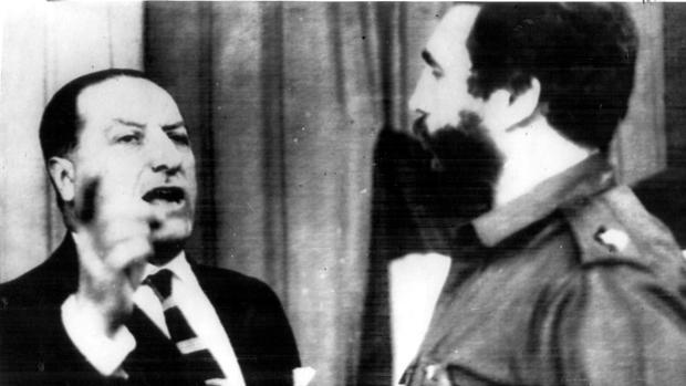 El embajador Lojendio, enfrentado a Fidel Castro