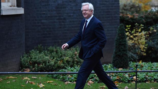 David Davis, a su llegada a la sede del Gobierno en Londres AFP