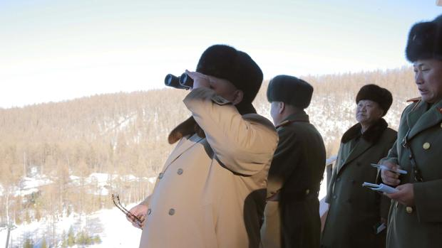 Kim Jong-un, durante unas maniobras