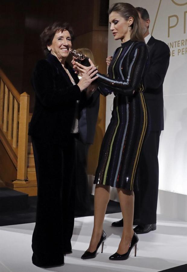 Doña Letizia, deslumbrante en los premios ABC de periodismo
