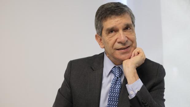 Rafael Pardo, alto comisionado para el Postconflicto de Colombia, durante la entrevista en la sede del ICEX, en Madrid
