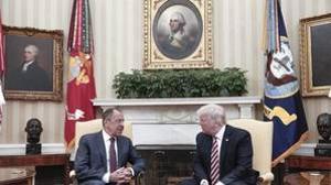 Trump durante su reunión con el Ministro de Exteriores ruso, Serguéi Lavrov