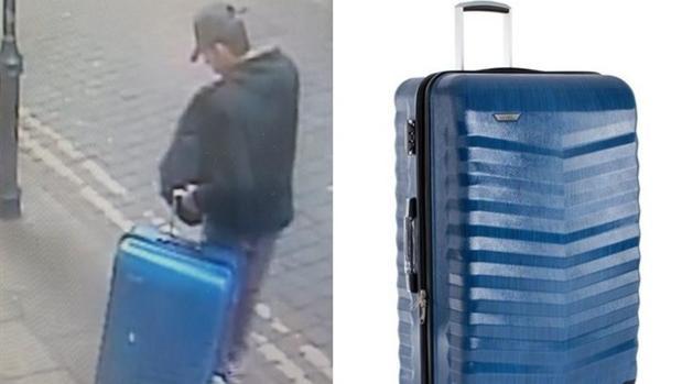 La Policía británica ha publicado una imagen de Salman Abedi para localizar la maleta azul con ruedas que portaba