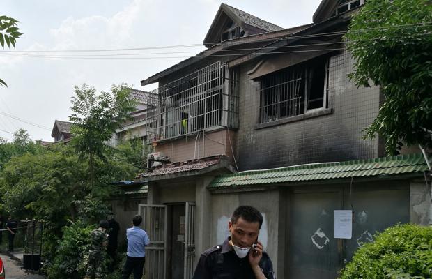 Edificio del este de China en que se declaró un incendio esta madrugada que mató a 22 personas