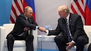 Vladimir Putin y Donald Trump reunidos durante la cumbre del G20 en Hamburgo
