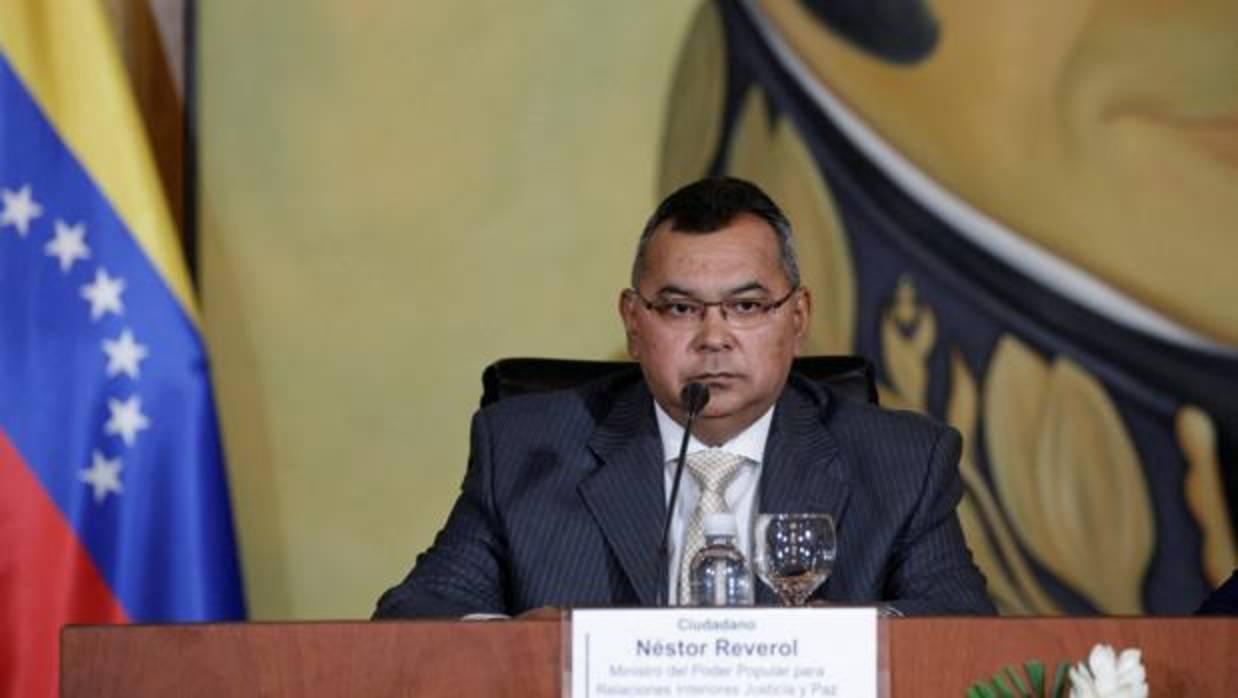 El gobierno venezolano califica de terrorismo el ataque for Nombre del ministro de interior y policia