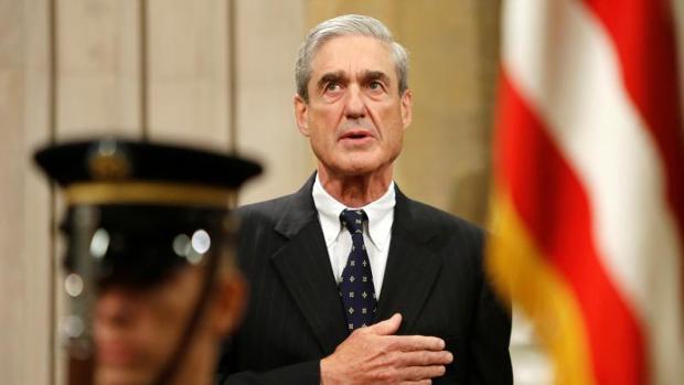 Robert Mueller en su despedida como director del FBI en 2013