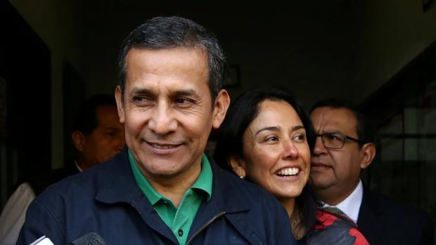 El expresidente peruano Ollanta Humala junto a su esposa Nadine Heredia