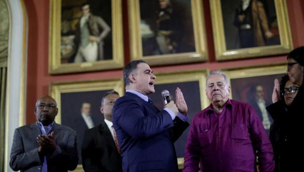Tarek Saab tomando de forma oficial su nuevo cargo