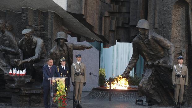 El presidente polaco, Andrzej Duda, durante la conmemoración del 73 aniversario del Levantamiento de Varsovia