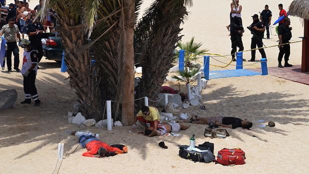 Tres personas murieron y otras dos resultaron heridas en un ataque perpetrado por individuos armados en playa Palmilla, en Los Cabos