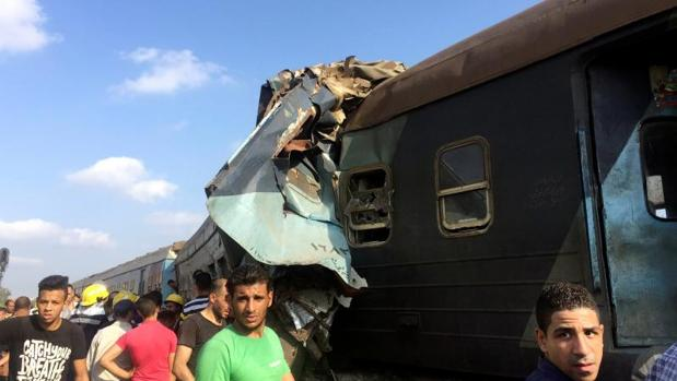 Dos trenes de pasajeros rumbo a Alejandría han chocado en la estación Jurshid
