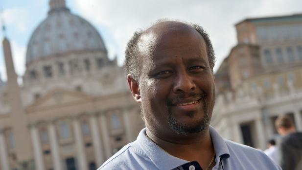 Mussie Zerai, el sacerdote de origen eritreo fundador de la agencia humanitaria Habeshia