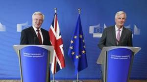 El negociador de la UE, Michael Barnier, y el ministro para la salida de Gran Breataña de la UE, David Davis