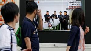 Ciudadanos japoneses ante una televisión que informa del ensayo nuclear norcoreano