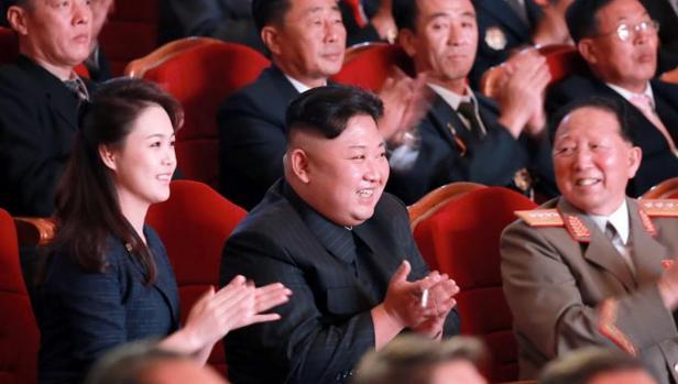 El dictador Kim Jong-un y su esposa Ri Sol-ju