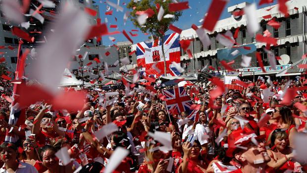 Los vecinos de Gibraltar salen a la calle para celebrar su Día Nacional