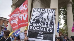 Manifestantes protestan contra Macron en Touluse
