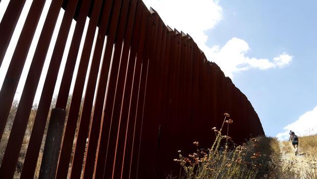 La decisión de Trump de alargar el muro en la frontera con México ha debilitado la imagen de su país entre los vecinos