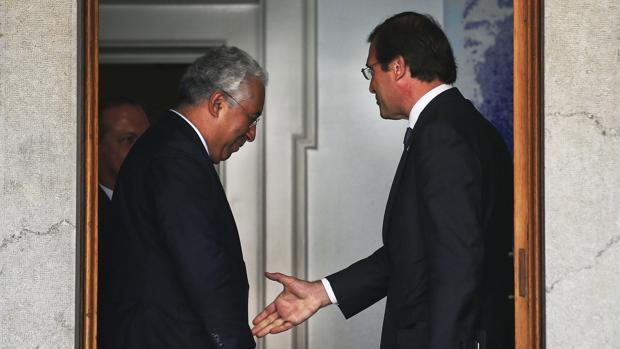 António Costa y Pedro Passos Coelho, reunidos en 2015