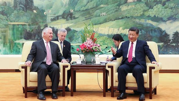 El secretario de Estado de Estados Unidos, Rex Tillerson, y el presidente chino, Xi Jinping