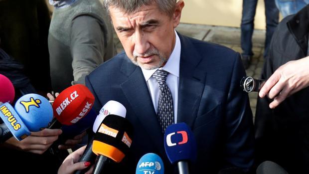 Andrej Babis, atiende a la prensa