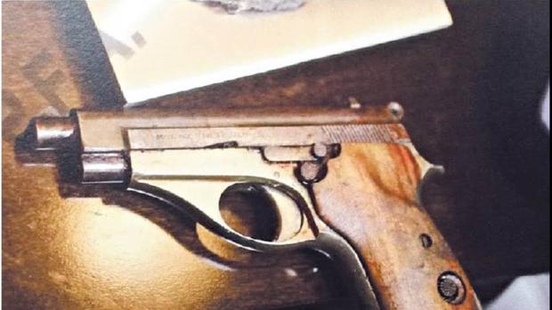 La pistola que Lagomarsino entregó al fiscal Nisman y causó su muerte