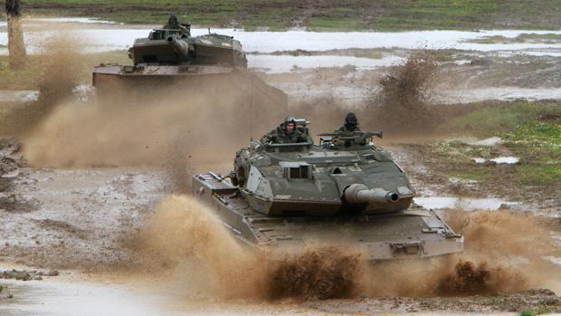 Carros de combate Leopard 2E españoles de la Brigada de Infantería Mecanizada «Extremadura» XI