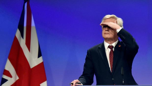 El ministro británico para el Brexit, David Davis