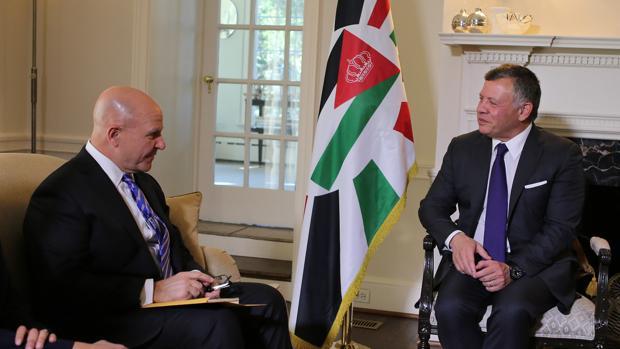 El Rey Abdullah II de Jordania, reunido con el Consejero de Seguridad Nacional de los Estados Unidos H. R. McMaster en la capital Amman