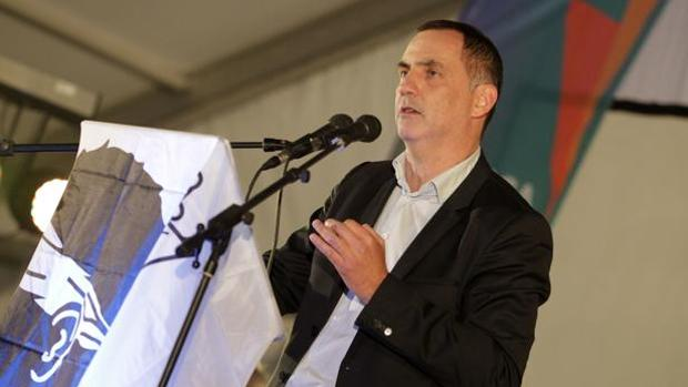 El candidato Gilles Simeoni, durante un acto de campaña