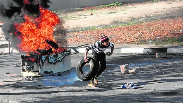 Protesta palestina en la localidad de Qusra, cerca de Nablus