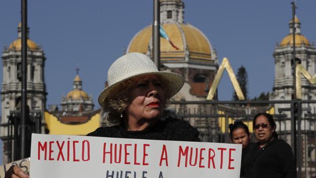 Activistas y padres de los 43 estudiantes desaparecidos de Ayotzinapa exigen una respuesta al Gobierno