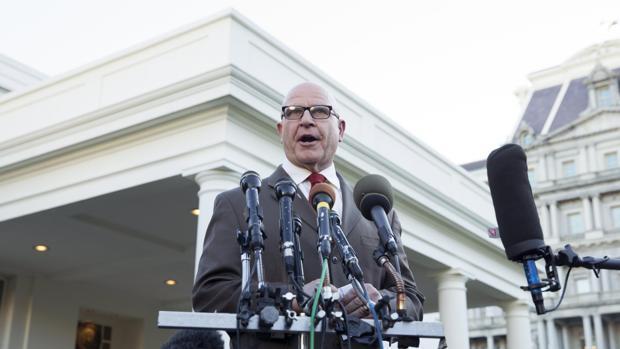 El general McMaster, consejero de Seguridad Nacional, en las puertas del Ala Oeste de la Casa Blanca