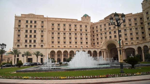 Fachada del hotel Ritz-Carlton de Riad