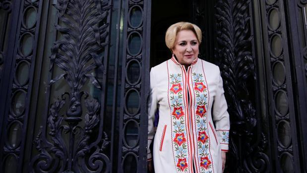 Dancila sucede en el gobierno a Mihai Tudose quien dimitió la semana pasada tras perder el apoyo del PSD